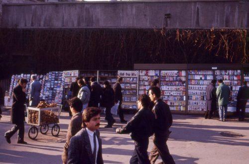 Fetö Kitap Yasağı öncesi Taksim Meydanı.